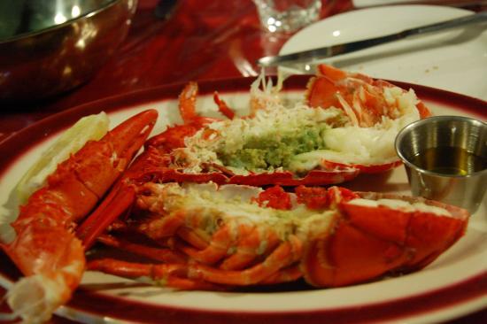 ロブスター (boiled). これで確か1 1/4 LB. - Picture of Lobster Trap Restaurant, Toronto - TripAdvisor