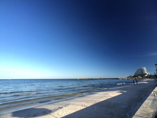 Putahracsa Hua Hin: View of the Beach (south)