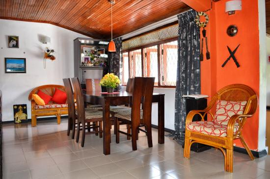 Hantana Home Stay: Dining