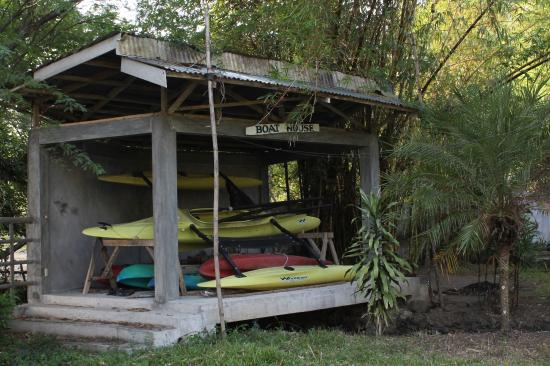 The Tamarind Tree Resort: stacks of dirty kayaks
