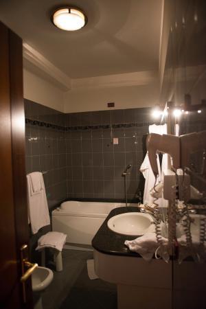 Hotel Savona: Bagno