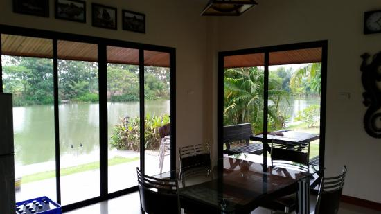 Teak Tree Lake: inside and outside dining