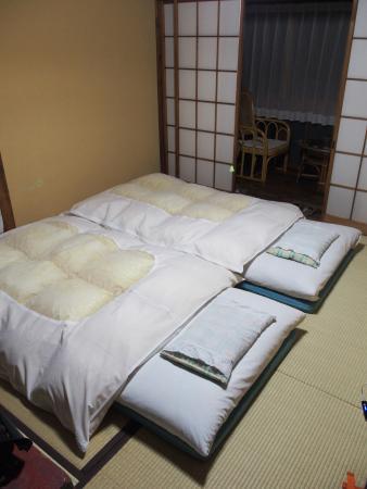 Taisenkaku: Il futon preparato sui tatami della camera