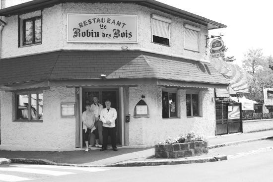 Robin des bois jouy en josas restaurant avis num ro de for Garage jouy en josas