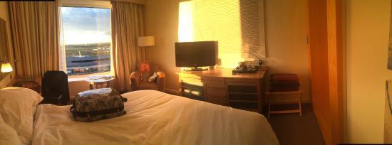 Sofitel London Gatwick: Nice clean and spacious room