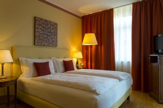 Hotel Rovereto: Camera matrimoniale