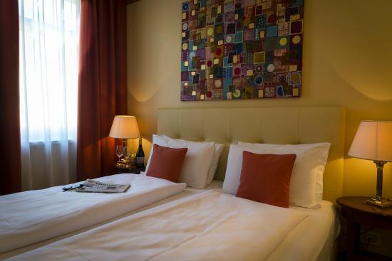 Hotel Rovereto : Camera matrimoniale