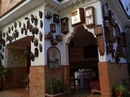Riad Meknes: Zona de almoços