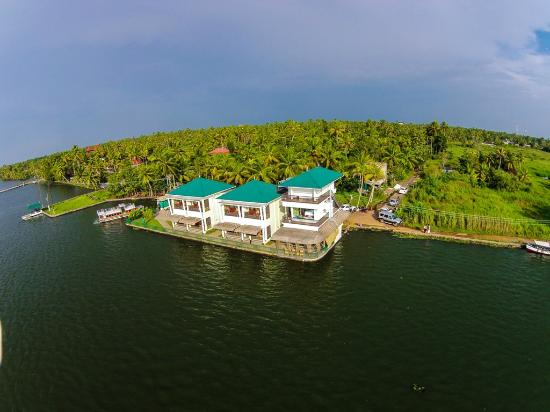 Kadavil Lakeshore Resort
