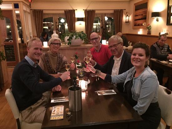 Topido: Met gezin voor feest diner