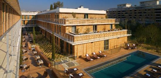 Courtyard by Marriott Montpellier: Exterior pool