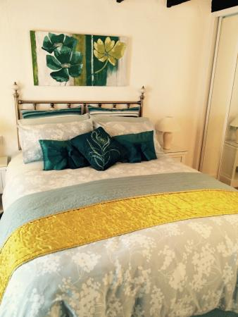Cottage Bed and Breakfast: Bed