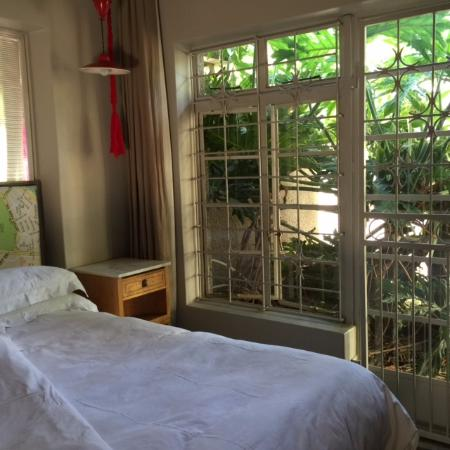Ilali Guest House: Bedroom