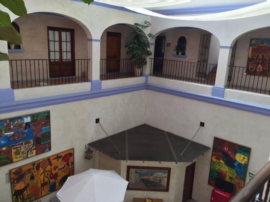 Hotel Trebol: Vista desde el balcón interior del hotel