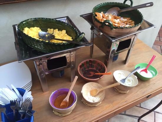 Hotel Trebol: Desayuno huevos revueltos y chilaquiles