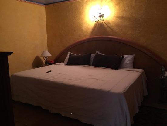 Hotel Trebol: Habitación cama matrimonial