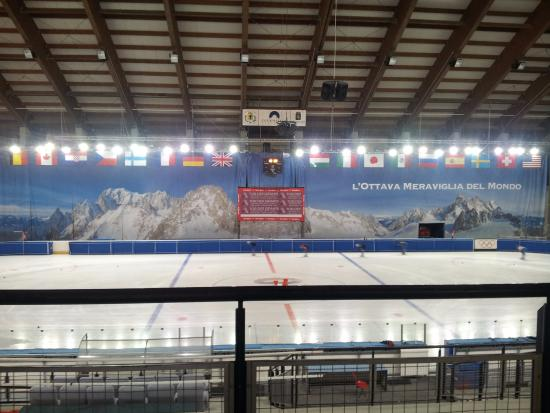 ‪Courmayeur Forum Sport Center‬