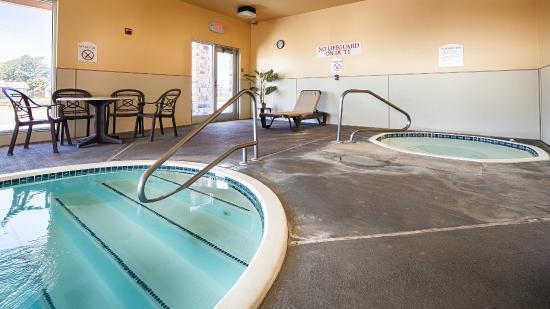 Scott City, KS: Indoor Pool