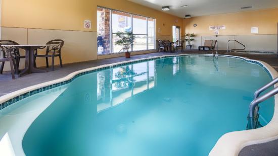 BEST WESTERN El-Quartelejo Inn & Suites: Indoor Pool