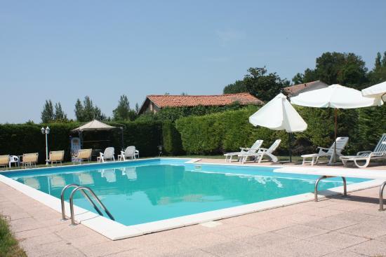 piscina foto di agriturismo loghino caselle san giorgio