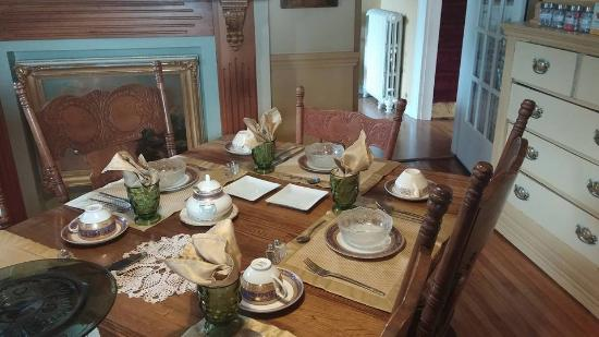 North Sydney, Kanada: Juana's beautiful table settings