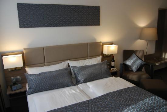 Dom Hotel Am Römerbrunnen: Double Room Deluxe