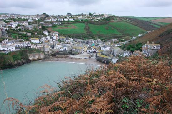 Hathaway Guest House: View of Port Isaac Harbour from Hathaway House
