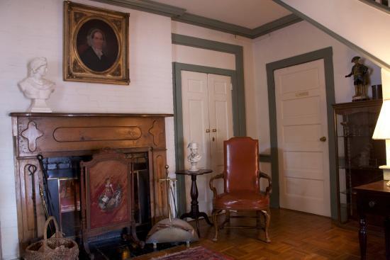 Wayside Inn: Sitting room