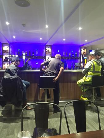 Ugie House Hotel : locals at the bar