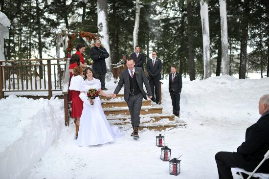 Port Carling, Canada: Say I do in the winter