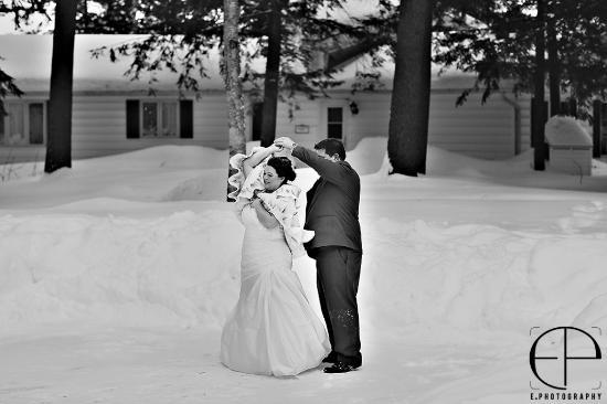 Port Carling, Canada: Winter wedding first dance