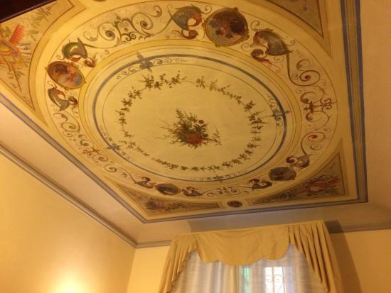 Novella House: photo4.jpg