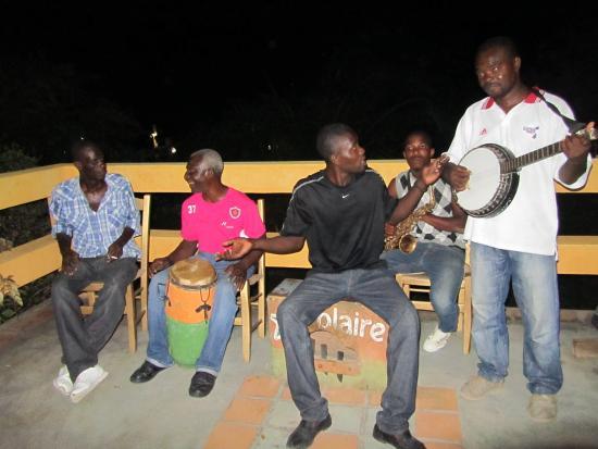 Marigot, Haití: Local band