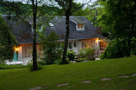Monthou-sur-Cher, Prancis: Vu de l'arrière de la maison Iris