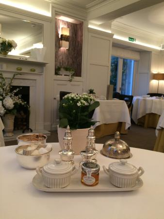Gilpin Hotel & Lake House: The Garden Room