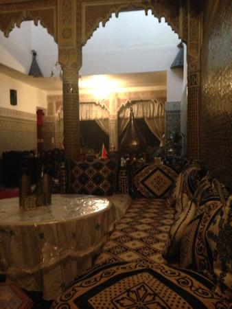 Riad Lahboul : Dining area