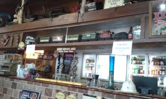 Tamborine, Australia: Train above the bar