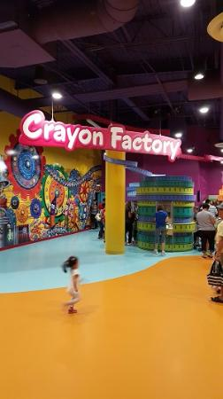 make your own crayons picture of crayola experience orlando