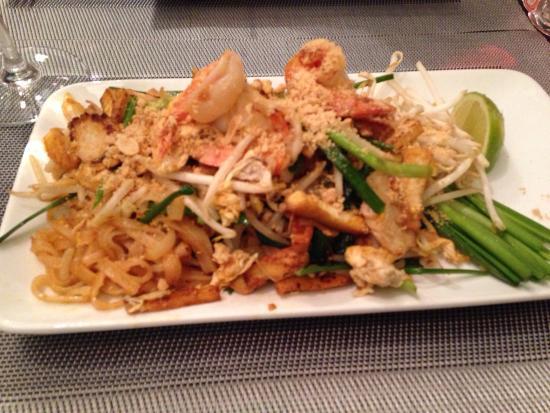 ESCALE INDOCHINE: Pad Thai aux crevettes et poulet