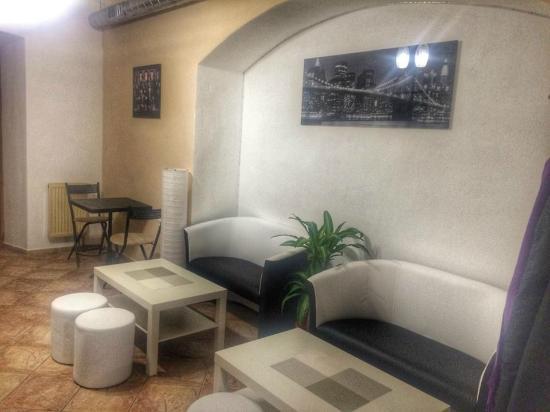 Kolin, Τσεχική Δημοκρατία: Zadní místnost s gauči