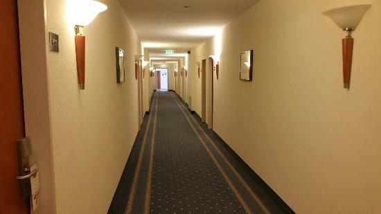 Arcadia Hotel Heidelberg: 20151118_083941_large.jpg