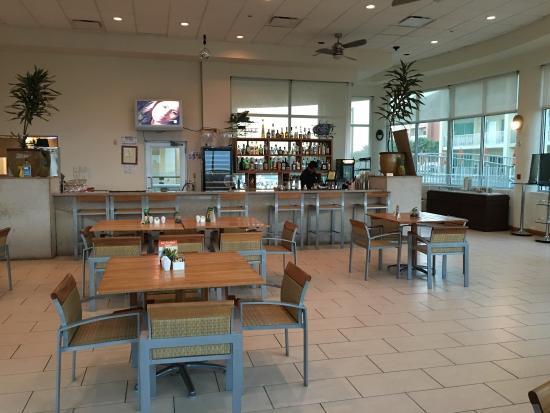 Las Olas Restaurant Grill & Bar: photo6.jpg