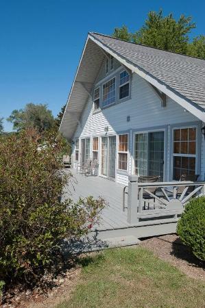 Milton, KY: Lakeview Porch