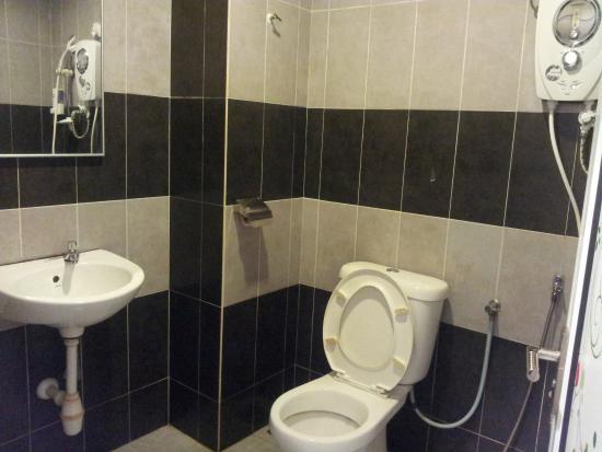 Sabak Bernam, Malaysia: bathroom