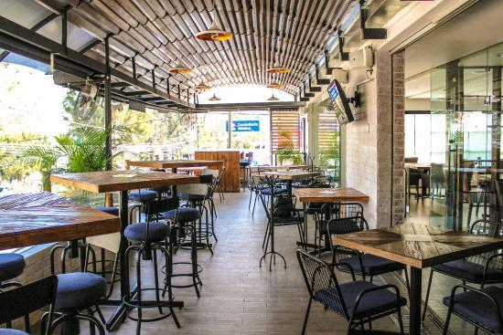 Oyster Bar Punto & Coma
