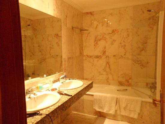 Royal Al-Andalus : Bathroom
