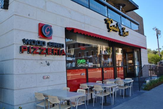Gelato Spot Caffe: What you see on the north side of the building