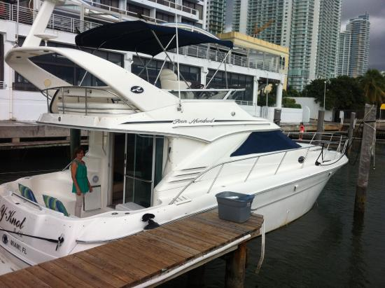 Be Offshore! Charters: Yacht for up to 10 people