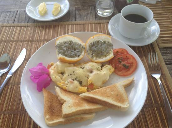 Playa Tranquilo: Room and breakfast