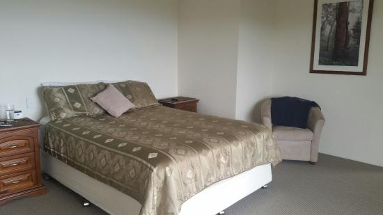 Bunya Mountains Accommodation: Master bedroom - has spa in ensuite with views down valley